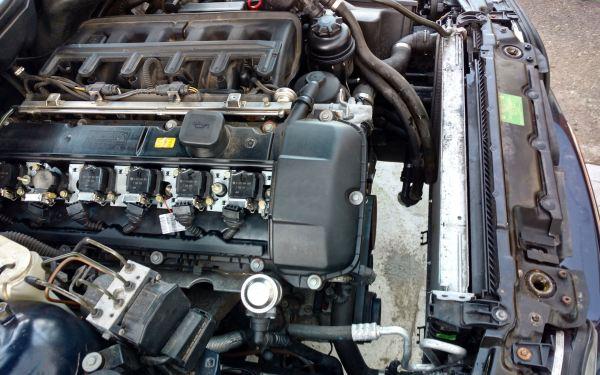 Repairing the VANOS seals on BMW's M52TU/M54/M56 engines