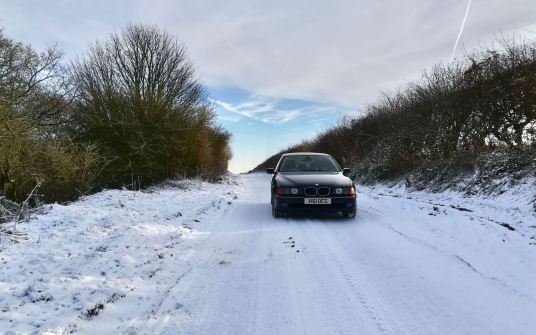 A couple inches of snow is proving to be no trouble for the E39.